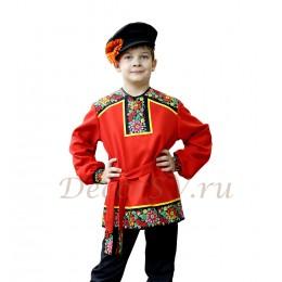 Рубашка народная для мальчика с рисунком на полочке и плечах красная.