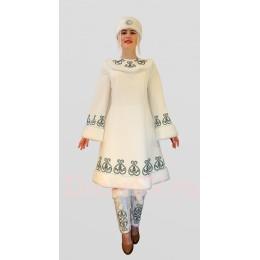 """Якутский национальный костюм.: платье, повязка на голову, подъюбник, """"торбаса"""" на ноги."""