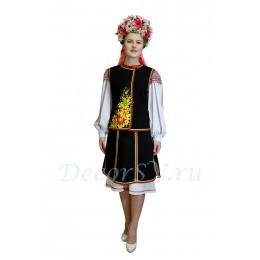 Украинский национальный танцевальный костюм: рубаха, жилетка, юбка и венок.