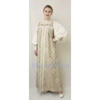 Русский народный костюм: сарафан, блузка и жабо.