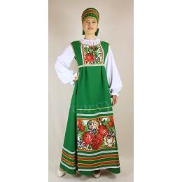 Русский народный костюм: сарафан, блузка, фартук и кокошник. Цвет зеленый.