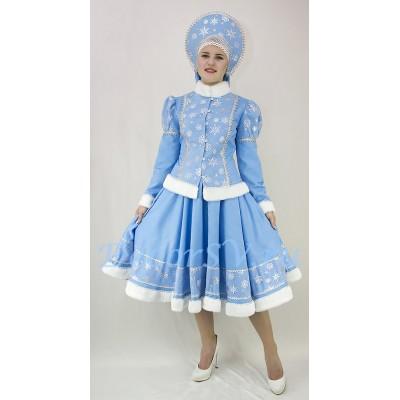 """- """"Новогодний костюм Снегурочки со снежинками и мехом: жакет, юбка и кокошник."""" от производителя DecorSV. (Артикул: НКС-37/1 )"""