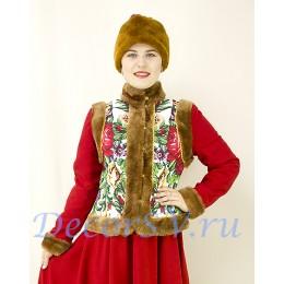Костюм для зимних гуляний: душегрея с коричневым мехом и шапка-косынка.