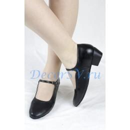 Туфли народные черные.