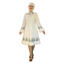 Якутский национальный костюм.: платье, повязка на голову, подъюбник.