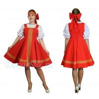 Русский народный сарафан. Цвет сарафана красный.