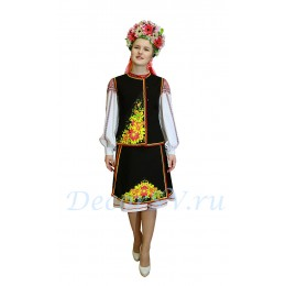 Украинский национальный танцевальный костюм: рубаха, жилетка, юбка с рисунком и венок.