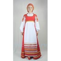 Русский народный стилизованный костюм. В состав костюма входит: сарафан, блузка, кокошник.