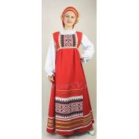 Русский народный костюм. В состав костюма входит: сарафан, блузка, фартук, кокошник. Цвет красный.