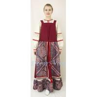 Русский народный костюм. В состав костюма входит сарафан и рубаха.