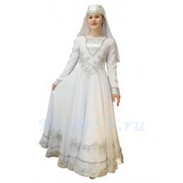 Осетинский национальный костюм: платье и головной убор с вуалью.