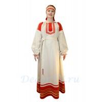 Русский народный костюм: платье с поясом и повязка на голову.