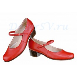 Туфли народные красные.